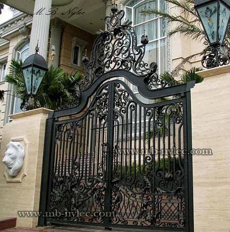 ekskluzywna brama pałacowa z koroną bp4