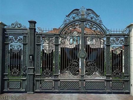 Brama dworsko-pałacowa bp95
