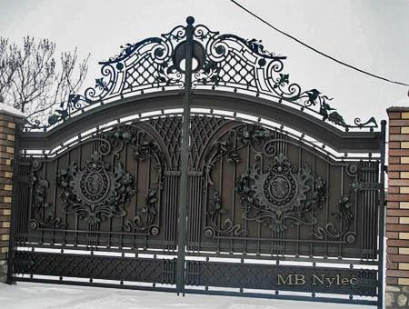 brama dworska z wypełnieniem bp105