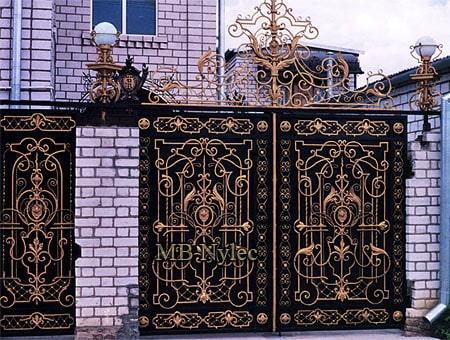 brama z pałacową ornamentyką bp181