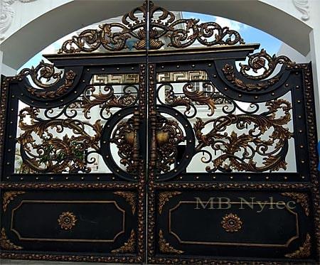 ekskluzywna brama wjazdowa w stylu orientalnym bp130