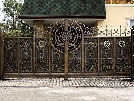 finezyjna kowalska brama wjazdowa bp180