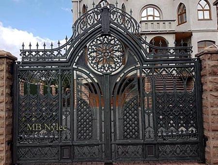 kuta brama w stylu gotyckim bp164