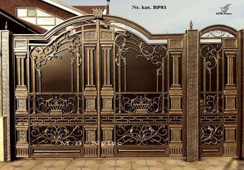 kuta brama wjazdowa z kolumnami bp81