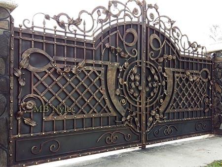 zabudowana brama wjazdowa bp171