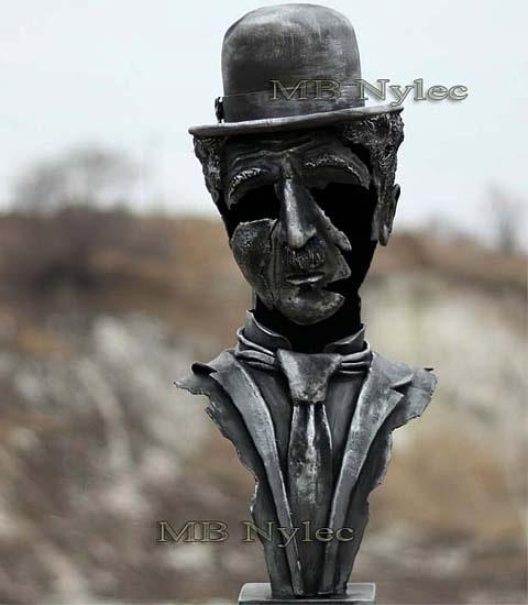 Charlie Chaplin popiersie rzeźba z metalu