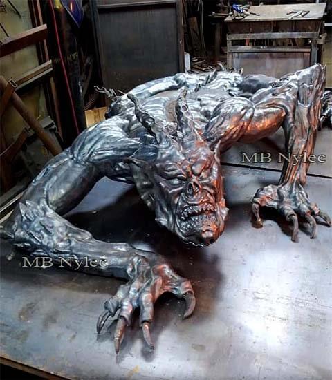 Demon- duża rzeźba ze stali z66