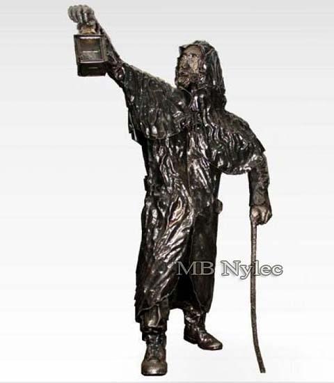 Latarnik - rzeźba z metalu z31