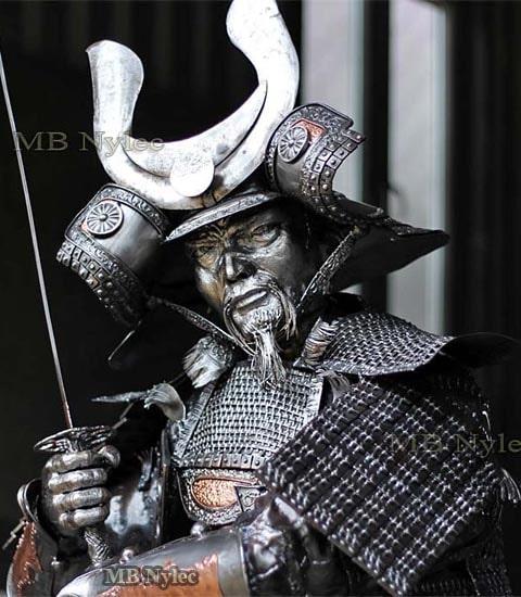 Samuraj-figura ze stali