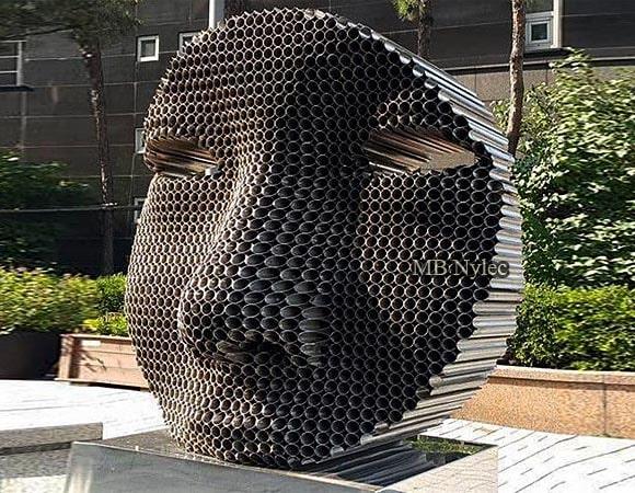 Statuy Posągi Pomniki z Metalu