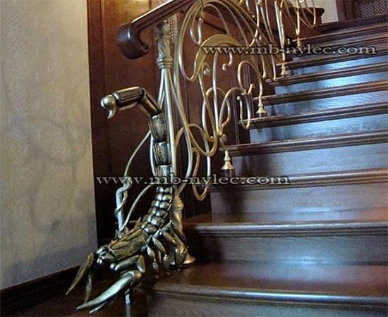 Unikatowa balustrada ze skorpionem ba31
