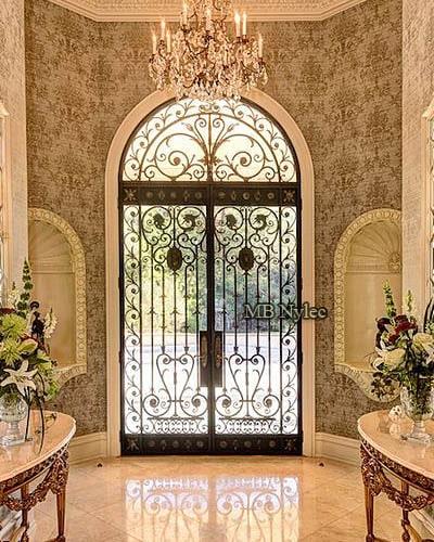 kute drzwi ze szkłem w stylu glamour