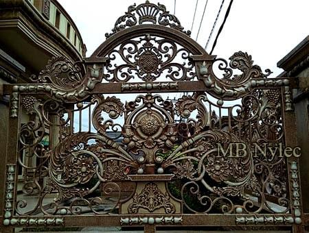 kute ogrodzenie królewskie-royal-pałacowe bp212