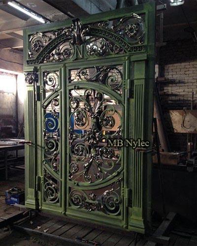 kute stalowe drzwi wejściowe dz14