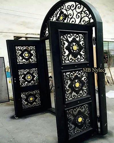 masywne drzwi kute dz8