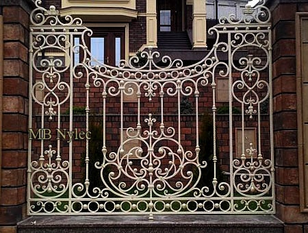 ogrodzenia kute - kute ogrodzenie tradycyjne bp214