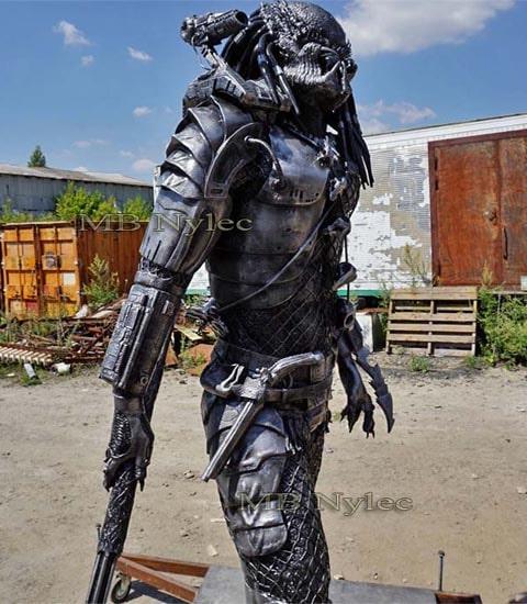 rzeźby ze stali - predator z metalu