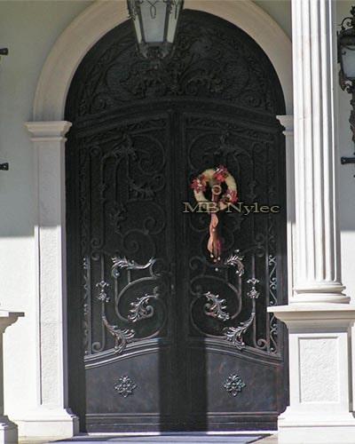 stalowe kute drzwi wejściowe dz11