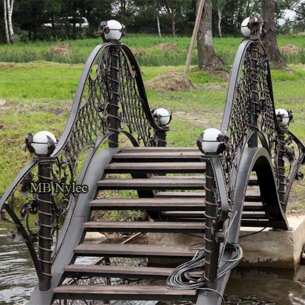 Kuty most z lampami am6