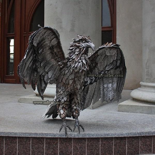 Orzeł stalowy rzeźba z metalu z18