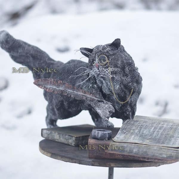 figury metalowe - galeria figur stalowych - kot naukowiec ze stali