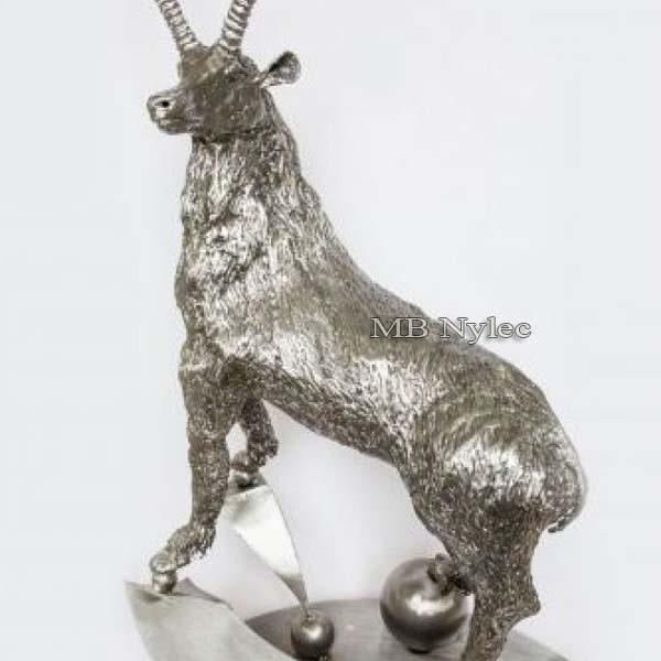 metaloplastyka - rzeźby z metalu - koziorożec ze stali