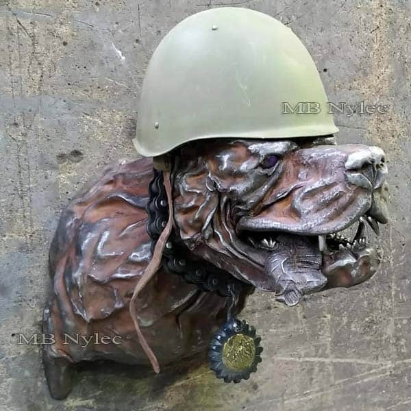 rzeźby ze stali - rzeźby z metalu - pies ze stali - płaskorzeźba pies wojownik - metaloplastyka