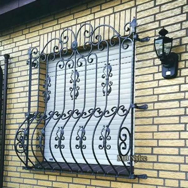 tradycyjna kuta krata okienna