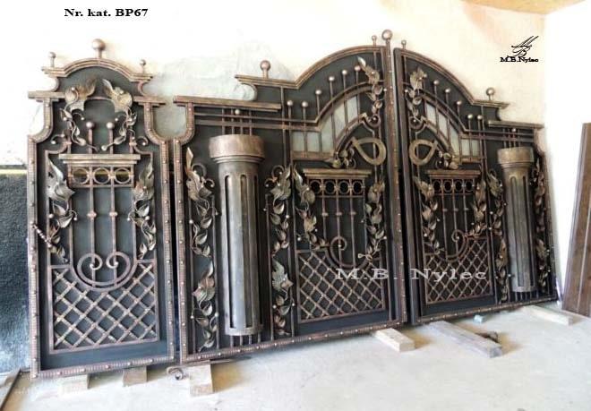kuta brama pełna z kolumnami bp67