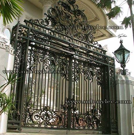masywna brama pałacowa bp1