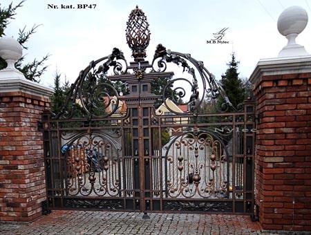 tradycyjna kuta brama dworska bp47