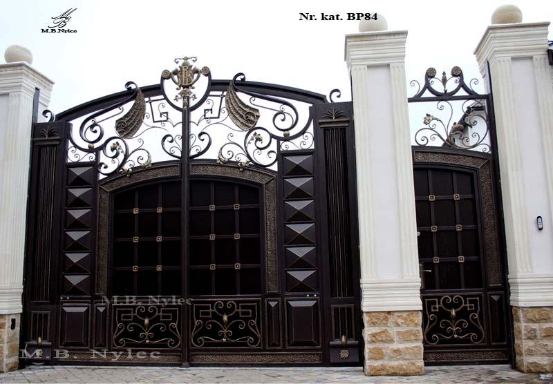 Brama wjazdowa do rezydencji bp84