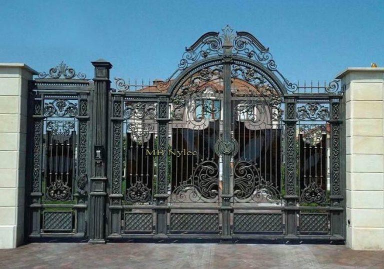 Brama wjazdowa dworsko-pałacowa bp95