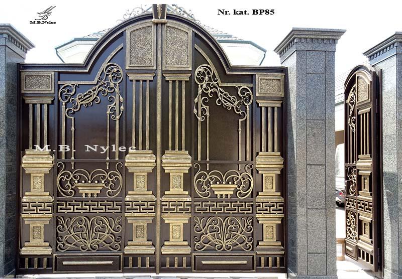 brama wjazdowa pełna z kolumnami bp85