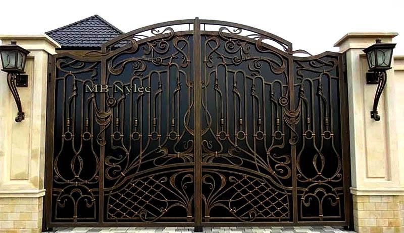 brama wjazdowa z elementami secesji bp108