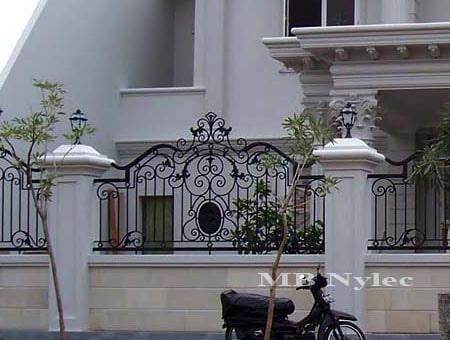 eleganckie ogrodzenie kute bp88