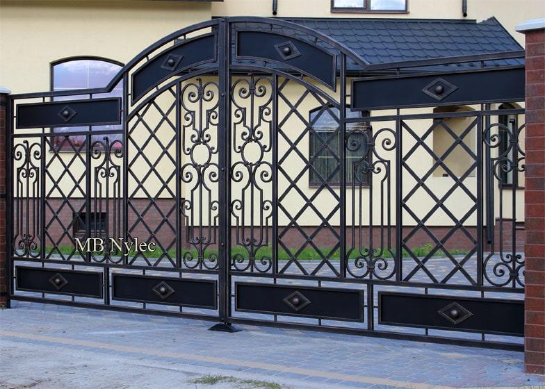 klasyczna brama kuta - kowalstwo bp203
