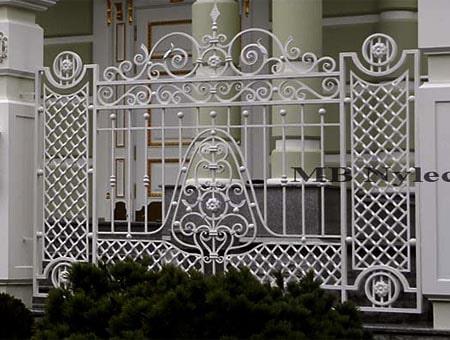 kute ogrodzenie pałacowe bp90