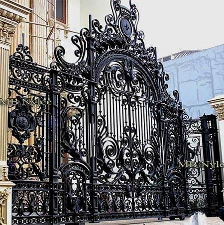 masywna kuta barokowa brama pałacowa bp101a
