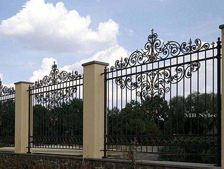 ogrodzenie pałacowe