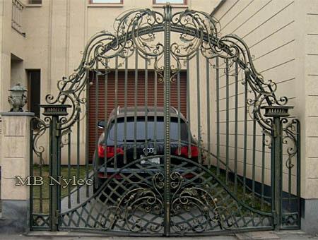 tradycyjna brama kowalska bp110