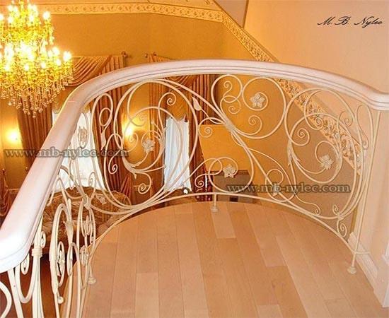 Balustrada tradycyjna w bieli ba18