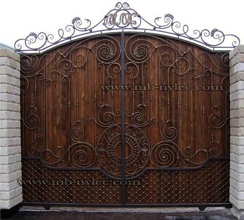 Brama stalowa z drewnem bm14