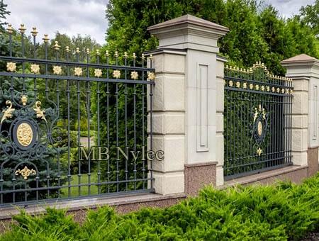 Klasyczne kute ogrodzenie pałacowo dworskie bp223