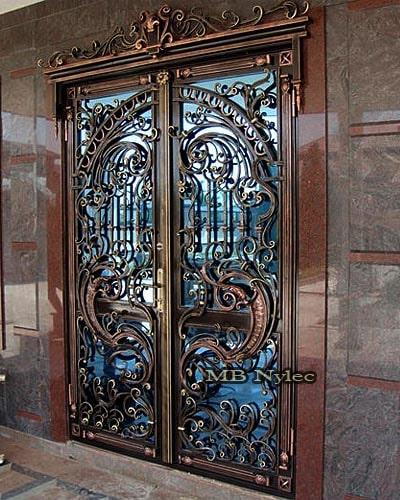 bogato zdobione drzwi kute dz12
