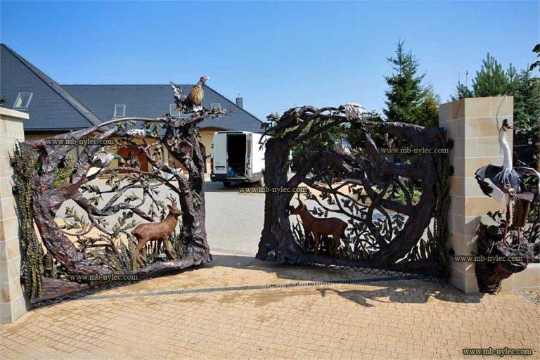 bramy i ogrodzenia designerskie myśliwskie z drzewami