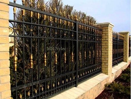 kute ogrodzenie domu rezydencji bp233