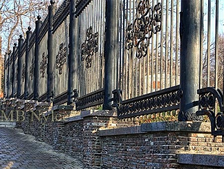 kute ogrodzenie pałacowe - zamkowe bp205