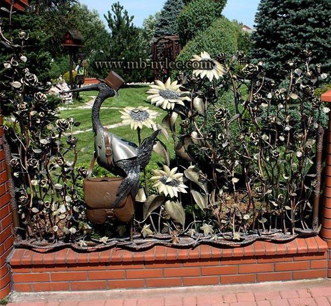 przęsła ogrodzeniowe z bocianem