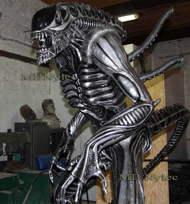 rzeźby z metalu - producent - alien ze stalu - alien kontra predator - MB Nylec